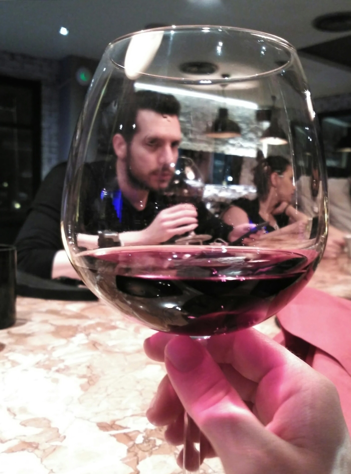 2016.03.03-22.50-theordinarylifeofm_the-ordinary-life-of-m_marta-moslw_istanbul_glass-of-wine_02