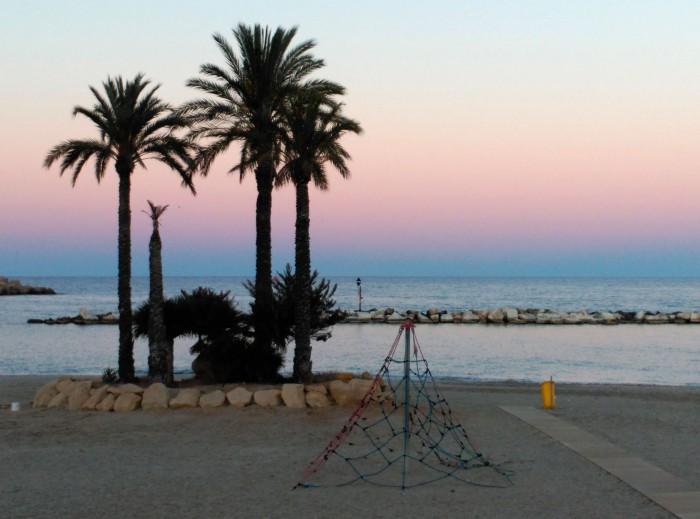 2016.05.02-20.55-theordinarylifeofm_the-ordinary-life-of-m_marta-moslw_almeria_garrucha_spain_sunset_01