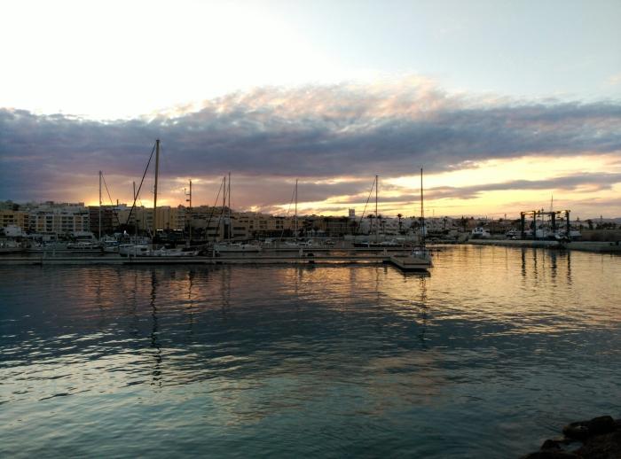 2016.05.08-20.44-theordinarylifeofm_the-ordinary-life-of-m_marta-moslw_almeria_garrucha_spain_habour_sunset_01