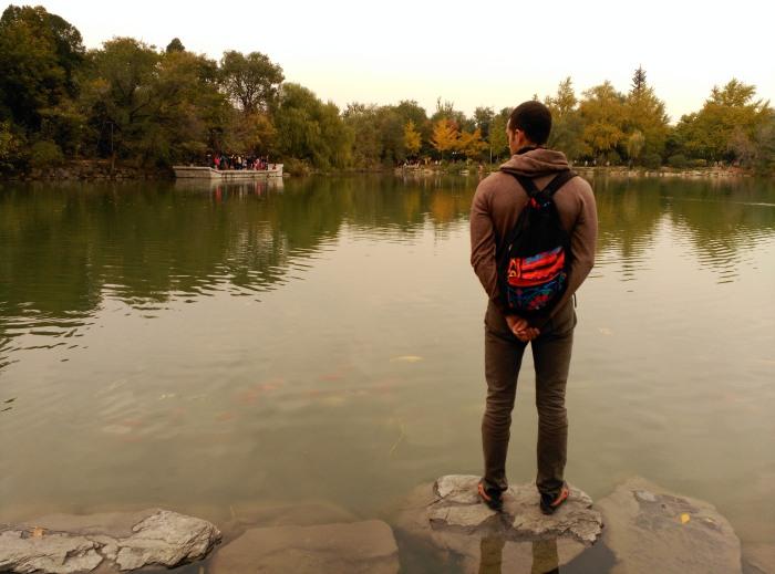 2016-10-23-16-01-theordinarylifeofm-the_ordinary_life_of_m-marta_moslw-travel-asia-china-beijing-peking_university-lake-fish