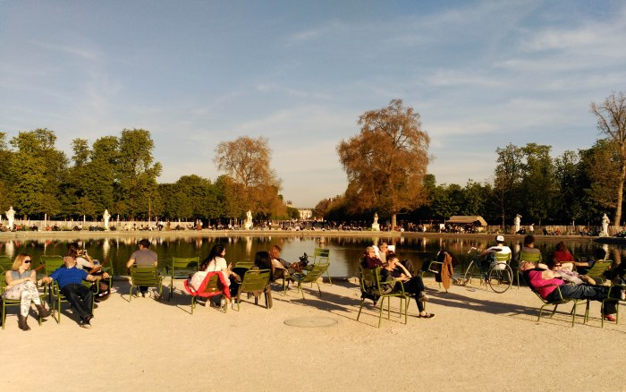 2015.04.13-18.55-theordinarylifeofm_the-ordinary-life-of-m_marta-moslw_travel_france_paris_les-tuileries_gardens_spring
