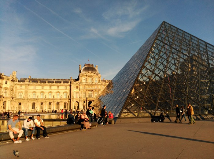 2015.04.13-19.32-theordinarylifeofm_the-ordinary-life-of-m_marta-moslw_travel_france_paris_louvre-museum_spring